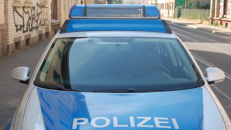 Polizei in Leutzsch.