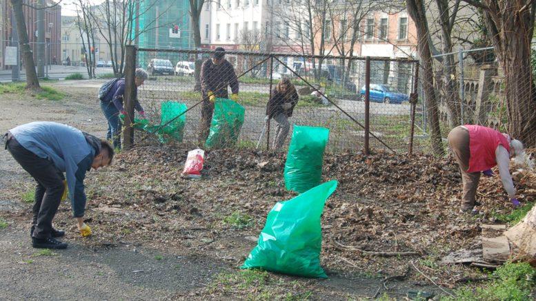 Nur 6 Menschen beteiligten sich in Leutzsch am Frühjahrsputz.