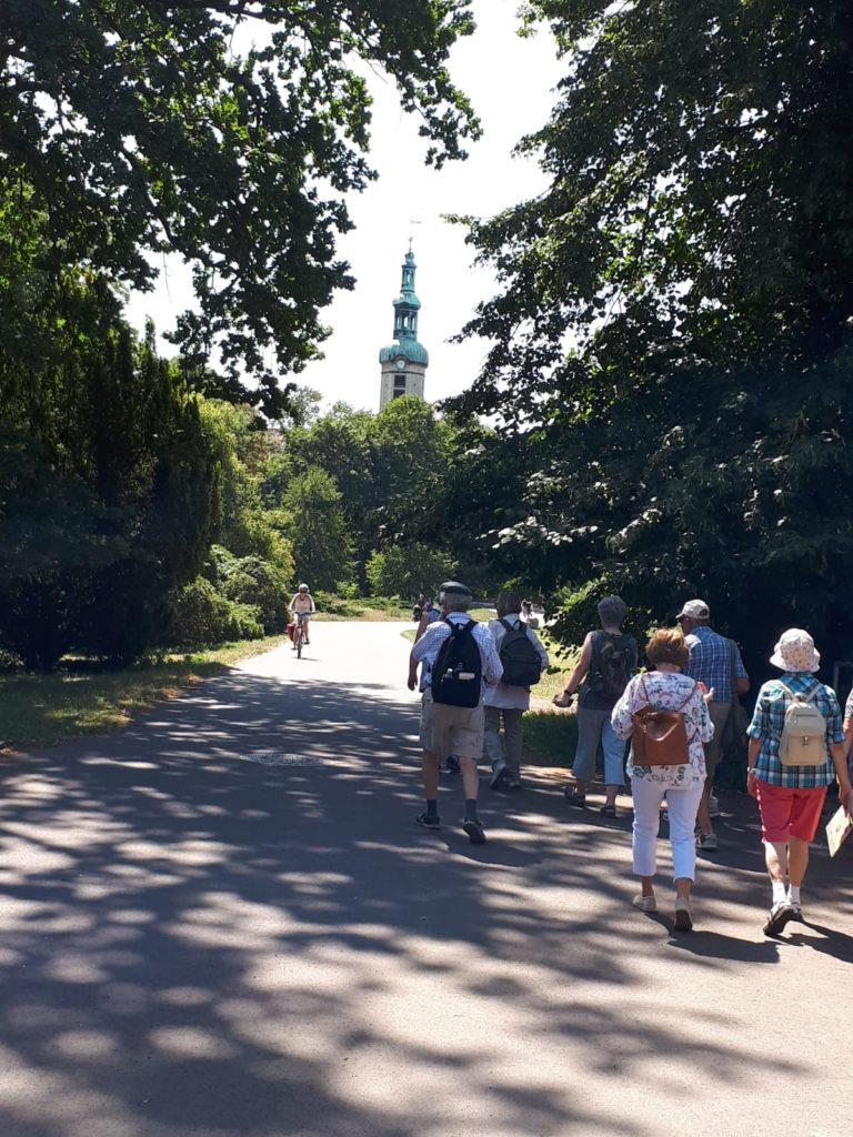 Eine Gruppe von Menschen unterwegs auf dem Lutherweg. / Foto: Dagmar Vorpahl